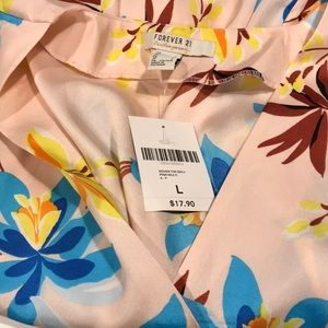 Forever 21 NWT size large